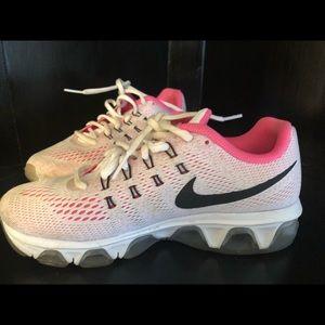 Women's NIKE Sneakers 6.5